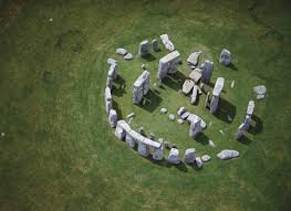 Stonehenge is probably the most important prehistoric monument in the whole of britain and has attracted visitors from earliest times. Page 1 Of Comments At Easter Island And Stonehenge