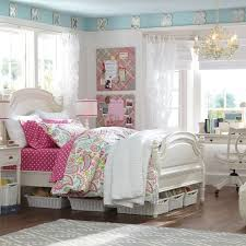 alternate color pink view in room