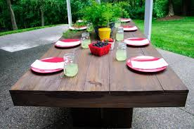 modern outdoor patio table that is easy to build this table could easily work with benches or chairs for more information and tons more photos go to