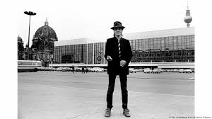 Rocker Udo Lindenberg: A nightmare for East German authorities | Music | DW  | 02.10.2019