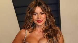 Sofia Vergara goes fully nude to ...