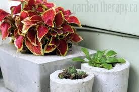 Ainda há pequenos vasos de cimento que podem ser pendurados na parede dando ao local um ar bastante rústico e bonito. Como Fazer Vaso De Cimento Em Casa Como Fazer Em Casa