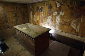 lost queen nefertiti buried in her son tutankhamun s tomb study the sarcophagus of king tutankhamun
