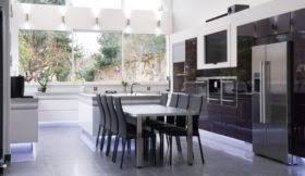 Home Staging Repeindre Une Cuisine Composée De Meubles Laqués