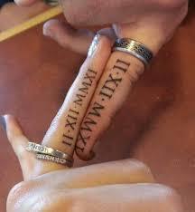 Tetování Místo Snubních Prstenů Svatební Prst