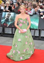 jk rowling style j k rowling near tears in fight to halt harry  style it r age r age j k rowling at the hp7 premiere in new york