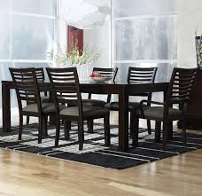 Simple and streamlined rectangular table and chairs