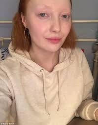 maisie says she s perfectly fortable without make up but has taught herself cosmetics techniques over