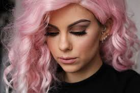 sophie hannah richardson creates a kylie jenner makeup look with pink wig