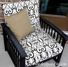 re cover a patio cushion