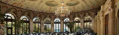 the circle dining the breakers