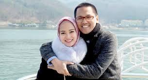 Seorang Perempuan Berkahwin, Kawan Yang Tinggal Hanyalah Suami Dia