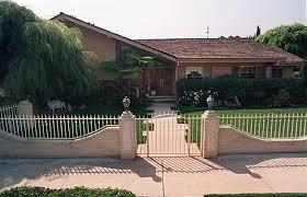 Sherwood Schwartz and a look back at the     Brady Brunch     house    Brady Bunch house