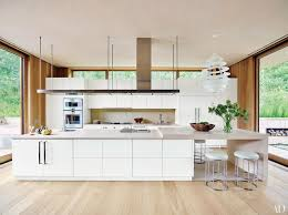 white kitchen cabinet. Why You Can\u0027t Go Wrong With White Kitchen Cabinets Cabinet E