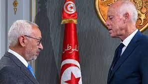 الغنوشي 'حرباء' السياسة في تونس يقف في وجه ما يصفه بأنّه 'انقلاب'