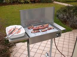 Barbecue Da Esterno In Pietra : Barbecue a gas con piastra in pietra ollare