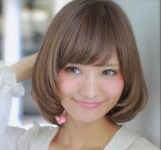 丸顔の髪型 似合うヘアスタイルをショートボブミディアムの長さでご