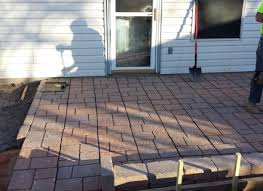 Wall Blocks Pavers And Edging Stones Guide Patio Pavers Lowes