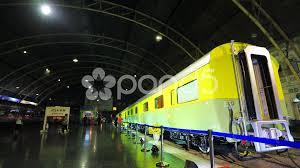 train at hua lamphong railway station bangkok railway station 41237000