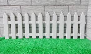 White fence Rustic 10pcslot White Fence Plastic Garden Fencing Sharp Corner Small Fence Christmas Tree Fence Aliexpresscom 10pcslot White Fence Plastic Garden Fencing Sharp Corner Small