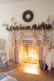 Living Room Christmas Decoration 17 Best Ideas About Christmas Living Rooms On Pinterest Living