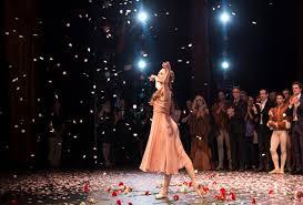 Resultat d'imatges de saludo final en el escenario ballet