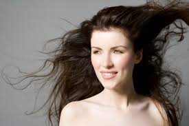 Smiřte Se Se Svými Vlasy Nejlepší Tipy Pro Vlasy Jemné Kudrnaté I