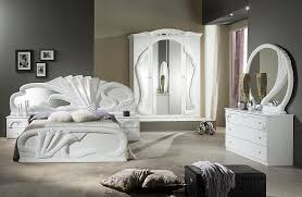 Pure white bedroom furniture makes a clear statement mobilya