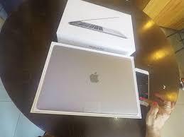 unboxing macbook pro 13