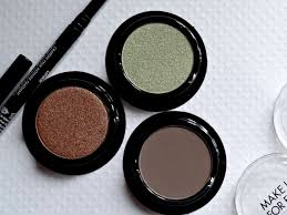 make up for ever artist eyeshadows in i662 m558 i330
