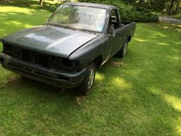 Buy used Toyota pickup 22re hilux short bed 1993. PARTS ONLY NO ...