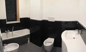 Pavimento Scuro Bagno : Bagno bianco e nero o grigio vivere insieme forum