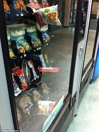 Stuck Vending Machine Best Frustrated Customers Share The Funniest Vending Machine Fails Of All
