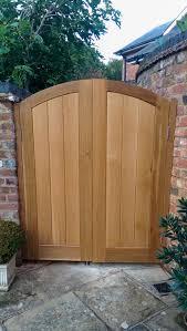 curved oak gates