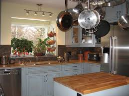 Kitchen:Contemporary Kitchen Design With Black Kitchen Stove And  Traditional Kitchen Cabinets Ideas Traditional Small