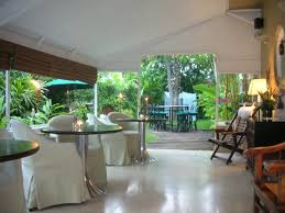 Cadet Hotel: Covered veranda
