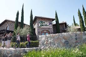 an olive garden restaurant in huntington beach calif