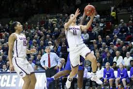 kia nurse lays in two of her career high 33 points ian bethune the uconn