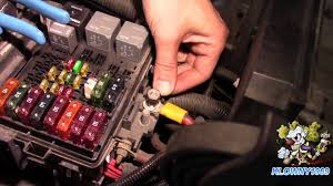 how to wire a fuse block easy youtube Fuse Box Fcu Fuse Box Fcu #45 Breaker Box