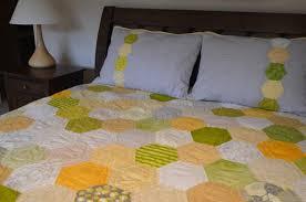Honeycomb quilt ~ revealed! | Sewfrench & Honeycomb quilt Adamdwight.com
