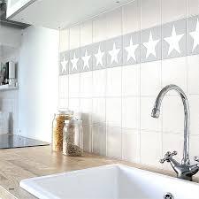 Badezimmer Fliesen Grau Streichen