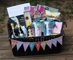 wedding shower prize gift basket ideas bridal shower gift baskets for guests aiboulder com
