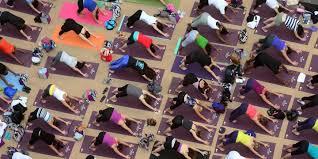 """Résultat de recherche d'images pour """"yoga time square new york 2019"""""""
