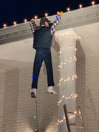 Clark Griswold Hanging Lights Alfred Norwood Tried To Save A Man Hanging From A Rooftop