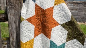 Easy Tube Pillow Case Tutorial — Quilting Tutorials & Make a Rhombus Star Quilt With Jenny! Adamdwight.com