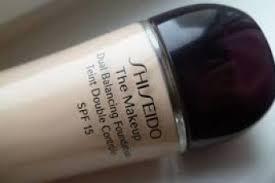 shiseido the makeup dual balancing foundation spf 15 Жидкая тональная основа двойного действия СПФ 15
