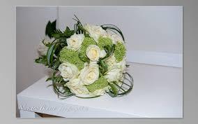 La corona era d'oro nel caso dei 50 anni di matrimonio. 50 Sfumature Di Matrimonio Fioreria La Magia Del Fiore