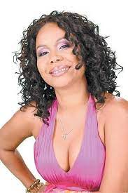Nikki Crosby celebrates her 20th anniversary as a comedienne with the  production Midlife Crosby. • Nikki is one of the mos… | Female comedians,  Comedians, Caribbean