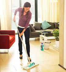 Lose, blätternde und gerissene altanstriche restlos entfernen. Richtig Putzen Regeln Zum Saubermachen Schoner Wohnen