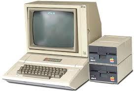 ru Информационные технологии понятие и история развития В августе 1977 года начался выпуск tandy radio shack trs 80 первого домашнего компьютера стоившего менее 600 долларов США В декабре 1977 года появился